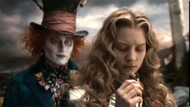 Mia Wasikowski with Johnny Depp in 'Alice In Wonderland'