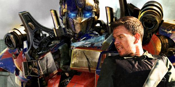 Mark Wahlberg fights a Transformer in Michael Bay's 'Transformers' 4'.