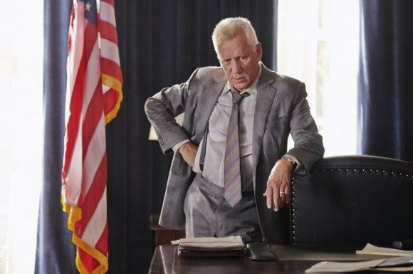 James Woods as the traitorous Secret Service Agent Walker