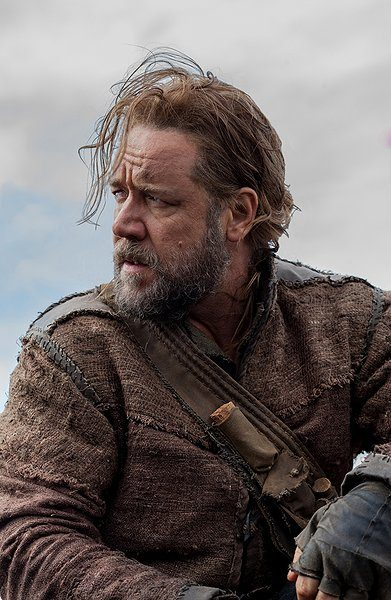 Russell Crowe to Star 'In Sand and Blood'