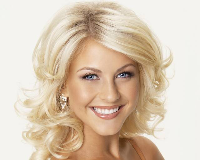Julianne Hough will star in 'Curve'