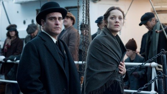Cotillard and Phoenix in 'The Immigrant'