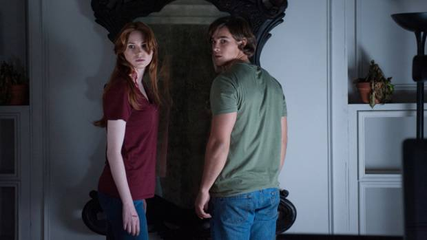 Karen Gillan and Brenton Thwaites star in the Horror Flick 'Oculus'