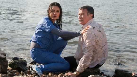 Mila Kunis & Robin Williams in 'The Angriest Man in Brooklyn' (2014)