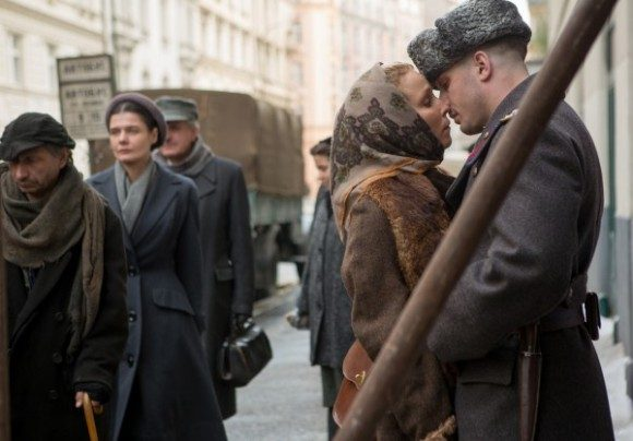 child-44-tom-hardy-noomi-rapace-600x418