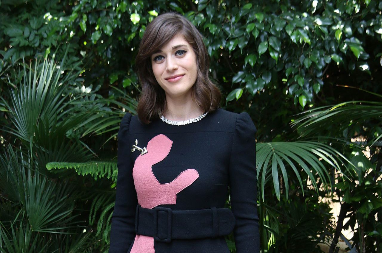 Lizzy Caplan Cast As Female Lead In Now You See Me 2 Mxdwn Movies