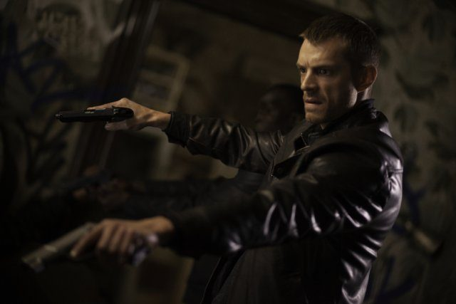 Joel Kinnaman the Frontrunner to Replace Tom Hardy in 'Suicide Squad'