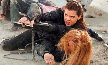 See Hailee Steinfeld as a Teenage Spy in the 'Barely Lethal' Trailer