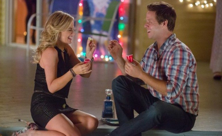 Amy Poehler and Ike Barinholtz Teaming Up for Basketball Comedy