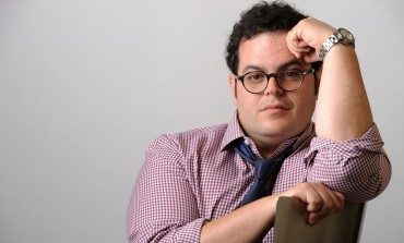 Josh Gad to Portray Roger Ebert in 'Russ and Roger Go Beyond'