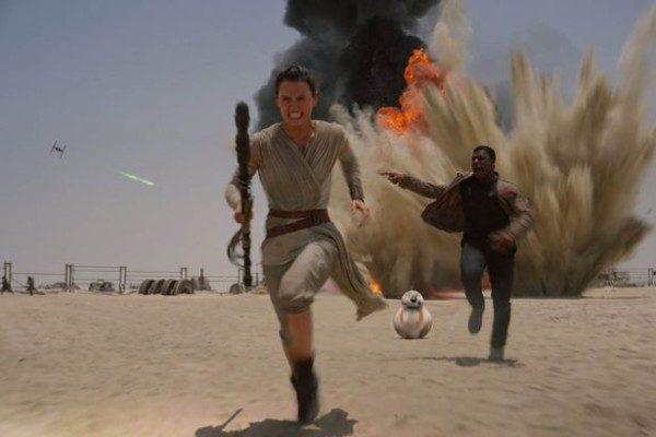 Episode-VII-The-Force-Awakens-600x400