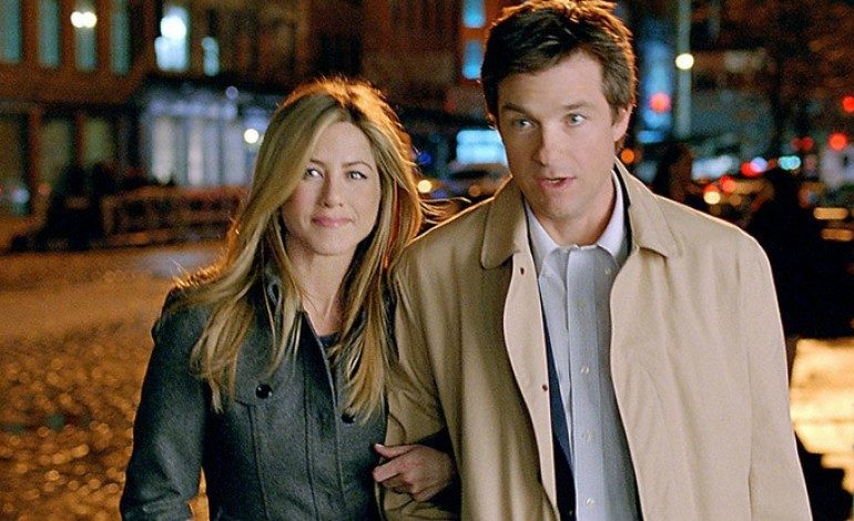 Jennifer Aniston and Jason Bateman to Host a 'Office Christmas Party'