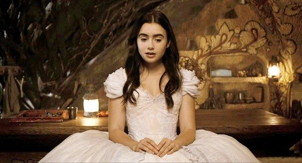 Lily Collins to Play Wife in Biopic 'Tolkien' - mxdwn Movies
