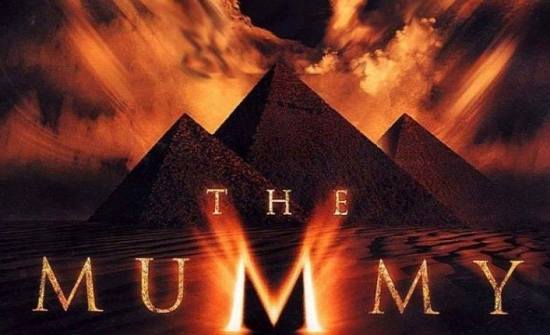 Annabelle Wallis Tweets Photo from 'The Mummy' Reboot