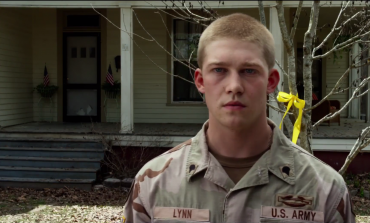 'Billy Lynn' Lead Joe Alwyn Set to Appear Opposite Emma Stone in 'The Favourite'