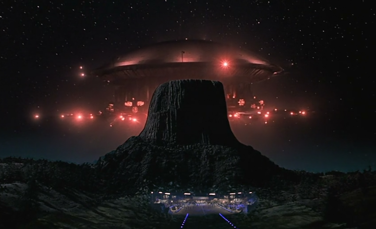 A Look Back at 'Close Encounters:' A Young Spielberg's Curiosity  Characterized - mxdwn Movies