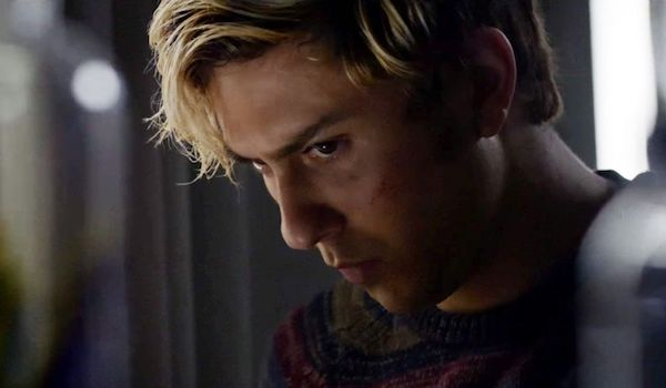 death-note-movie-review-2017-nat-wolff-light-turner