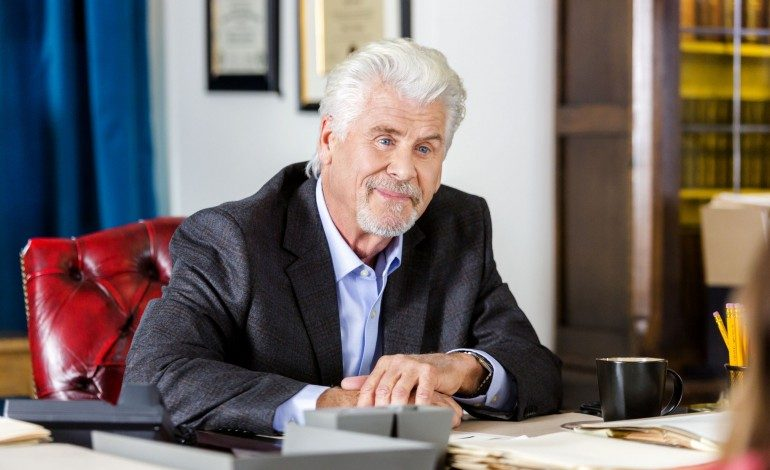 Barry Bostwick Will Play Santa Claus In New Film 'Santa Girl'