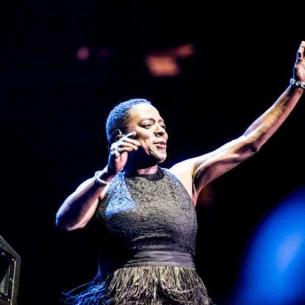 Sharon Jones (Photo Credit: Sharon Alagna)