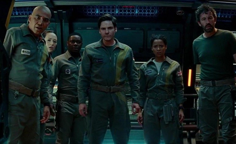 Movie Review – 'The Cloverfield Paradox'