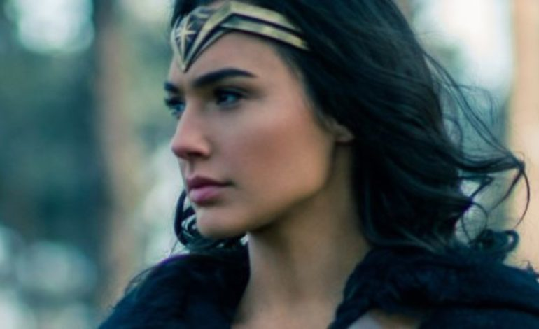 Gal Gadot Producing, Maybe Starring in, Fidel Castro Journalism Drama