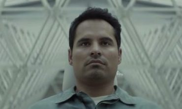 Michael Peña Stars in Trailer of Netflix's Newest Sci-fi Thriller 'Extinction'