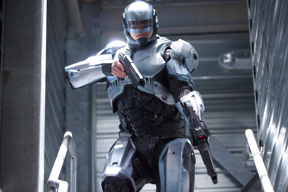 Neill Blomkamp Desires Peter Weller's Services for 'RoboCop Returns'