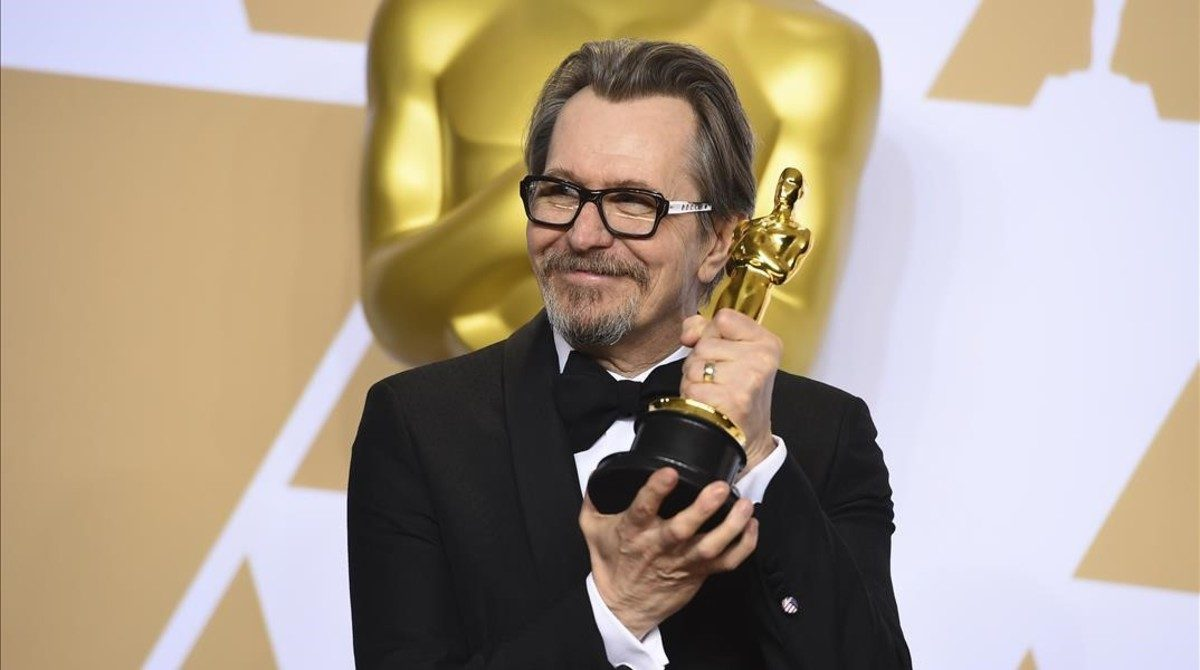 Gary Oldman and NBCUniversal Are Being Sued Over Oscar Nominated 'Darkest Hour'