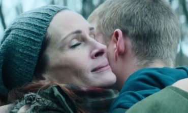 Emotional Julia Roberts in 'Ben is Back' Teaser Trailer