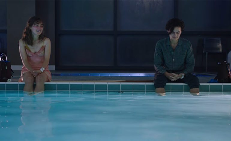 First Trailer for Haley Lu Richardson, Cole Sprouse Romance 'Five Feet Apart'