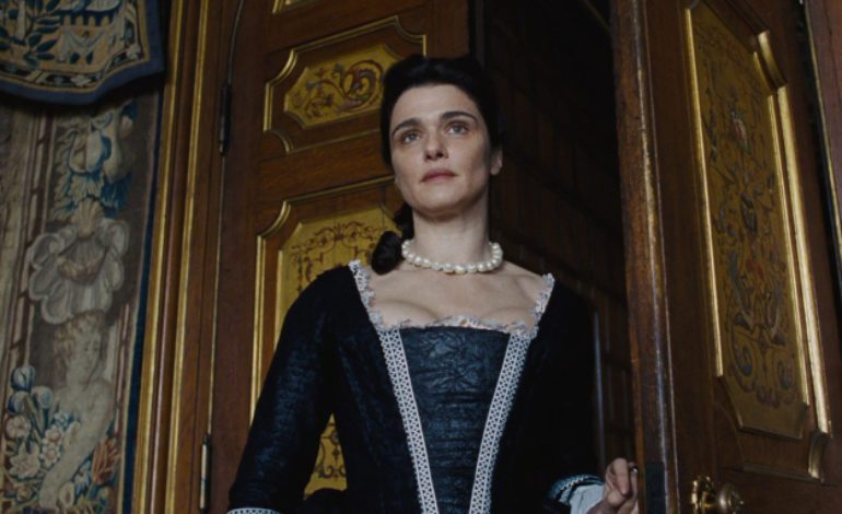 'The Favourite's Rachel Weisz to Portray Elizabeth Taylor in Upcoming Biopic
