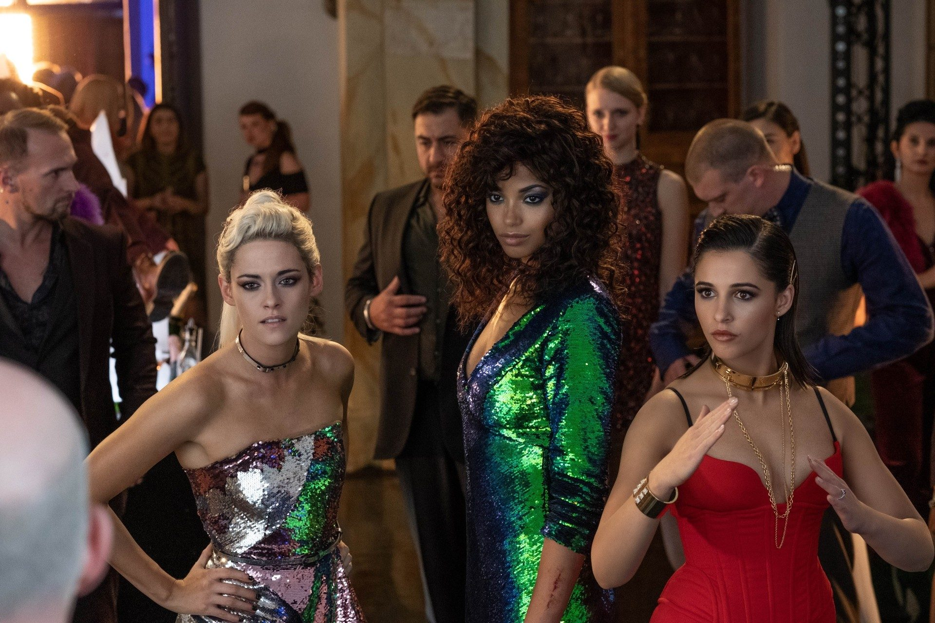 Movie Review - 'Charlie's Angels' - mxdwn Movies