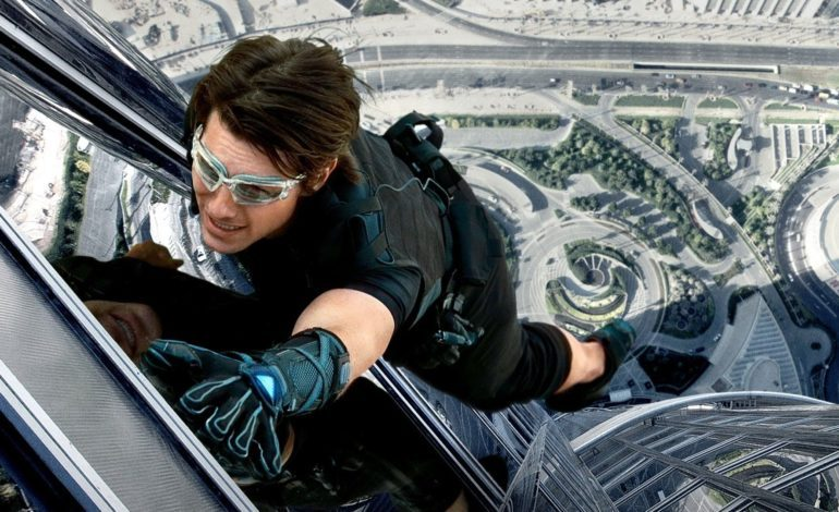 Universal In Early Talks to Take on Movie Shot in Space with Tom Cruise and Doug Liman