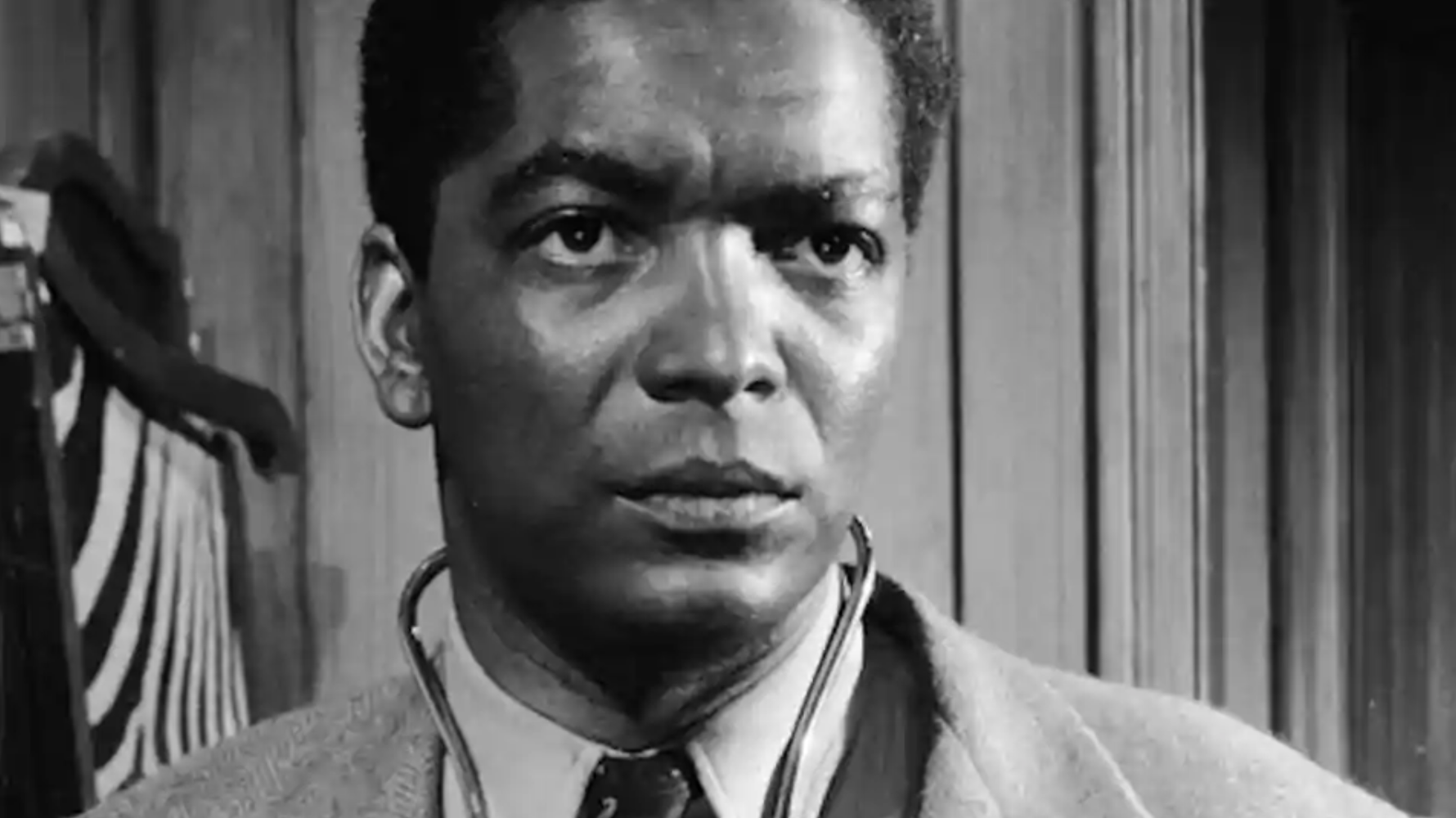 Trailblazing 'Pool of London' and 'Thunderball' Actor Earl Cameron Passes At 102