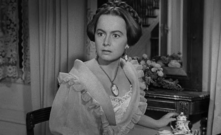 Oscar-Winning Actress Olivia de Havilland Known for 'Gone With the Wind' Dies at 104