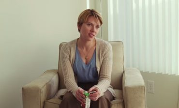 Scarlett Johansson Urges the Industry to Take a 'Step Back' From the HFPA