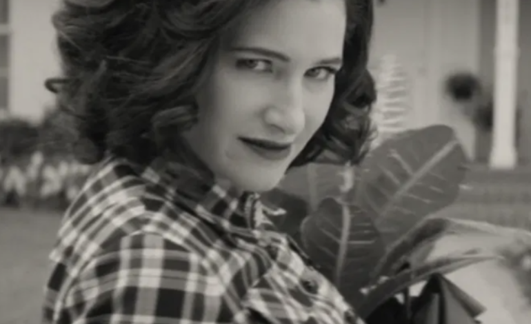 Kathryn Hahn Latest(And Certainly Not Last) To Join 'Knives Out 2' Growing A-List Cast